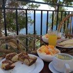 colazione sul terrazzo