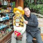 Una foto con el gnomo mas anciano.-