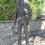 Statue of Van Gogh