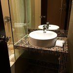 Premier Deluxe Room, Bathroom Sink