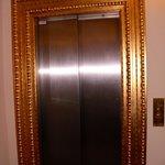 der Fahrstuhl