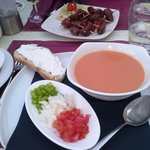 gazpacho e datteri con jamon