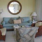 Full livingroom with TV
