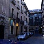 Calle exterior hotel