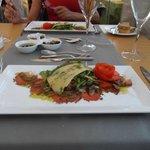 Heerlijke carpaccio in het Olive restaurant