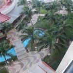 Vista de la planta baja del hotel desde la habitación