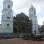 Catedral metropolitana en la plaza catedral