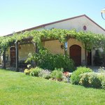 Cooper Vineyards winery building