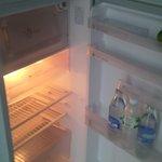 холодильник невысокий