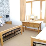Luxury Room 1 - Double & Single