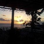 coucher de soleil sur la terrasse