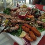 Piatto misto di pesce