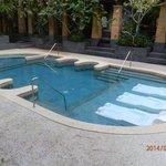 piscine exterieure jaccuzzi