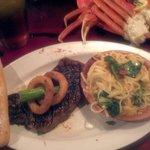 Surf N Turf Sirloin & Crab Legs Garlic Spinach Pasta