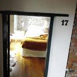 habitacion con puerta bajita!