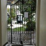 entrada a las habitaciones y patio interno