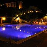 Foto di sera dalla piscina