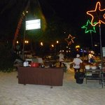 uno dei tanti ristoranti sulla spiaggia
