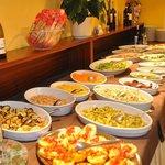 Buffet con antipasti di verdure
