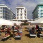 dalla spiaggia....