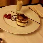 Tiramisu, Room service!