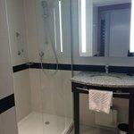Adequate sized bathroom with good amenities
