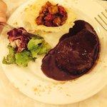 Fillet steak with balsamic vinegar sauce