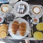 Una buona ed abbondante colazione....servita in camera!!!