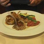 lamb with vegetables and potatoe puree