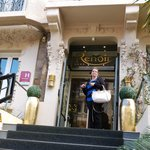 Fachada Hotel Renoir