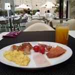 Desayunando en el Olivia Plaza