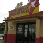 Los Robertos Mexican Food