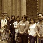 Alumnos del Instituto Superior de Intérpretes y Traductores saliendo del recorrido por la Pinaco