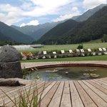 relax...laghetto, piscina e vista sulla valle