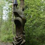 Деревянная скульптура на горе Ведьм