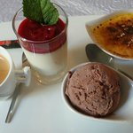 Café gourmand avec une panacotta délicieuse