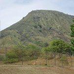 Bemærk stigningen på venstre side af bjerget.