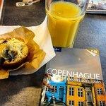 Petit déjeuner : muffin & jus d'ananas