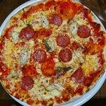 Tre Gusti Classic Pizza