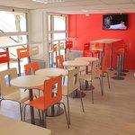 Salle Petits déjeuners Premiere Classe La Roche sur Yon