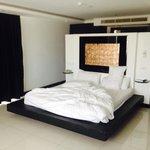 1 bedroom corner suite bedroom