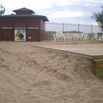 beach bar (costruito dalle 5,15 di mattina fino alla sera nel giorno 14-06-2014)