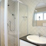 Cottage Chardonnay - Bathroom / Shower Cubicle