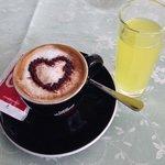 mon café avec un verre de limoncello offert