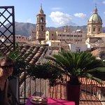 Petit dejeuner sur la terrasse