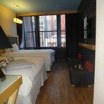 Quarto super espaçoso e com piso vinilico, sem carpetes, maravilha!