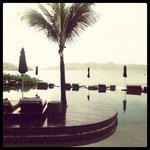 The piscine avec la vue panoramique