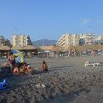 Пляж собственный у отеля с песочным выходом в море