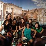 Latino ladies at Venecia