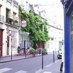 backstreet around Notre Dame